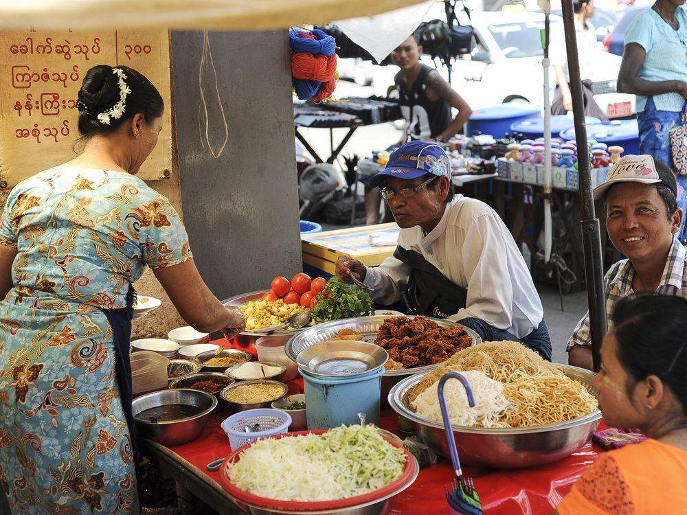 burmese_street_food_2000x1500-7