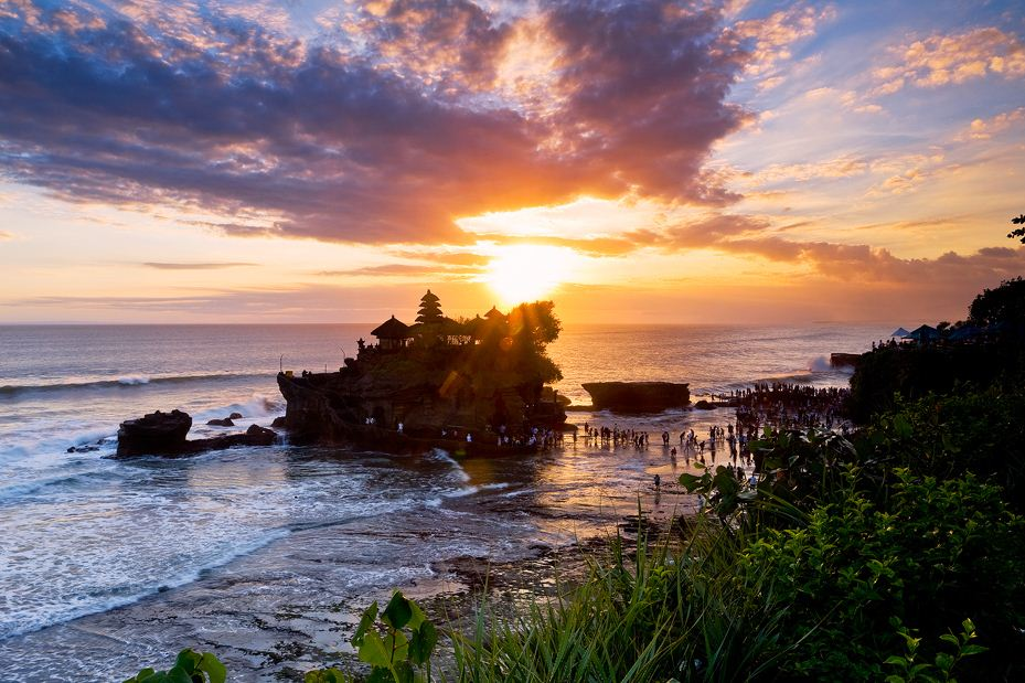 tah na lot temple sunset bali travel blog