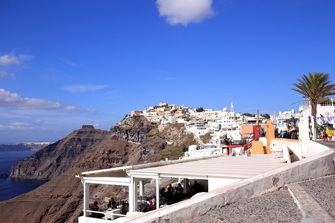 4 Santorini Fira village