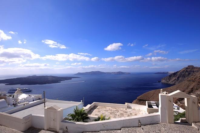 6 Santorini Eastern coastal path