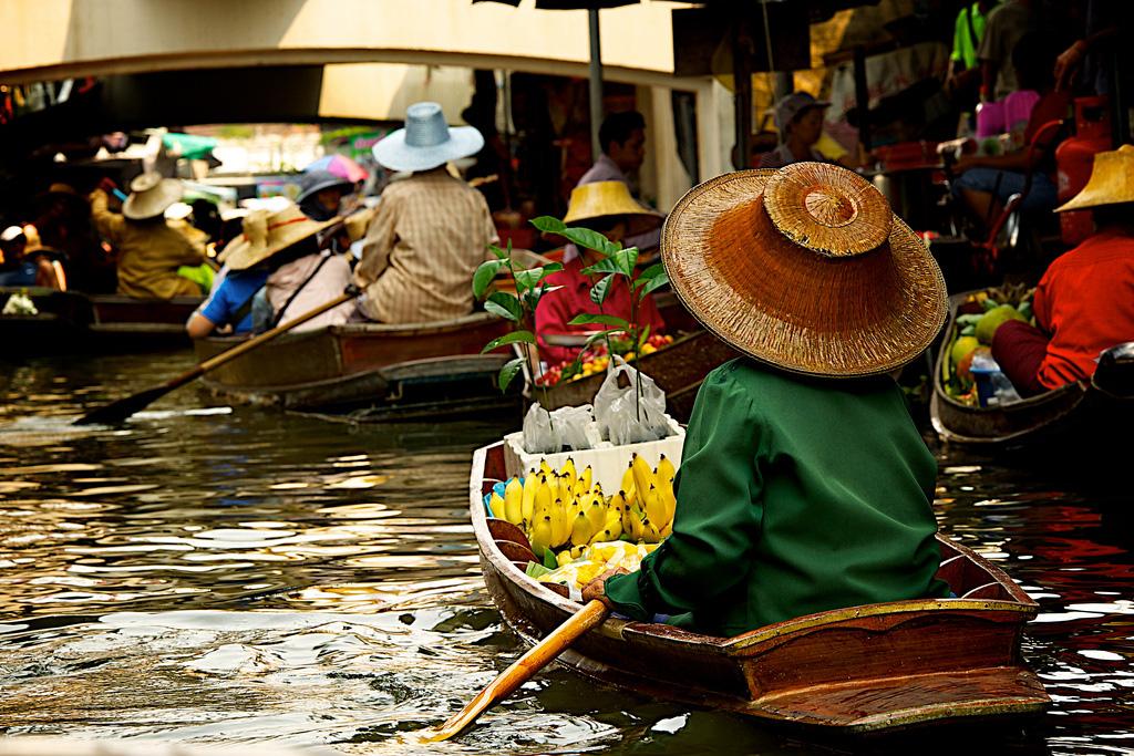 Damnoen-Saduak-floating-market-bangkok-thailand-13