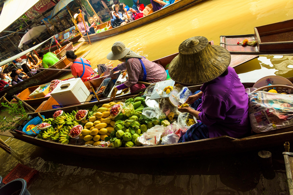 Damnoen-Saduak-floating-market-bangkok-thailand-2