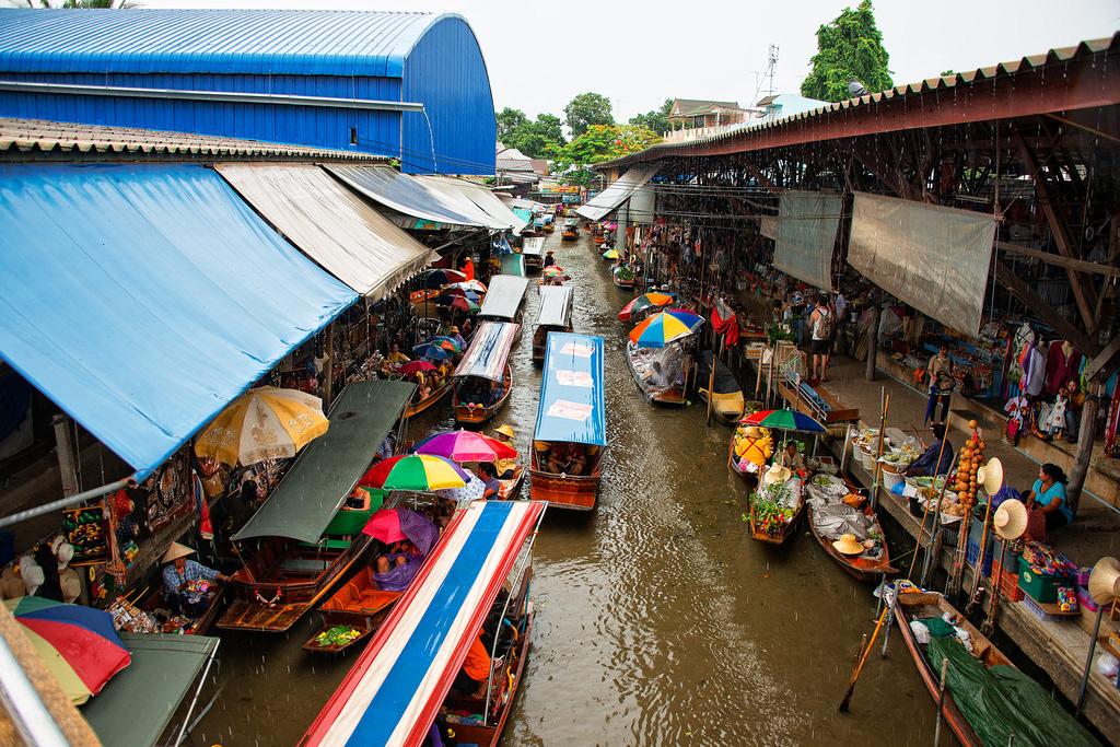 Damnoen-Saduak-floating-market-bangkok-thailand-4