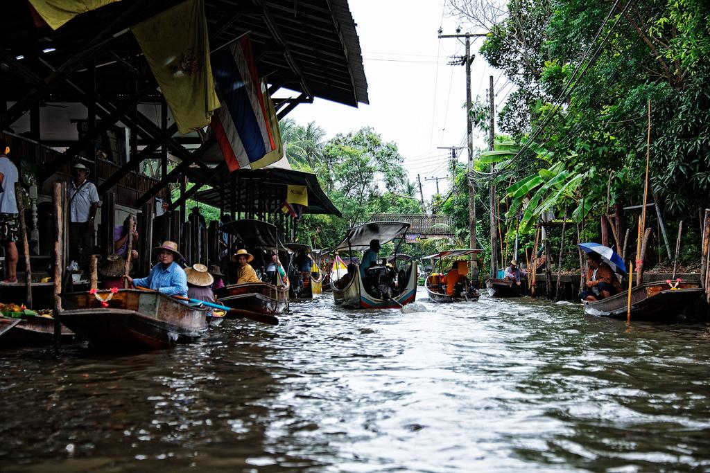 Damnoen-Saduak-floating-market-bangkok-thailand-5