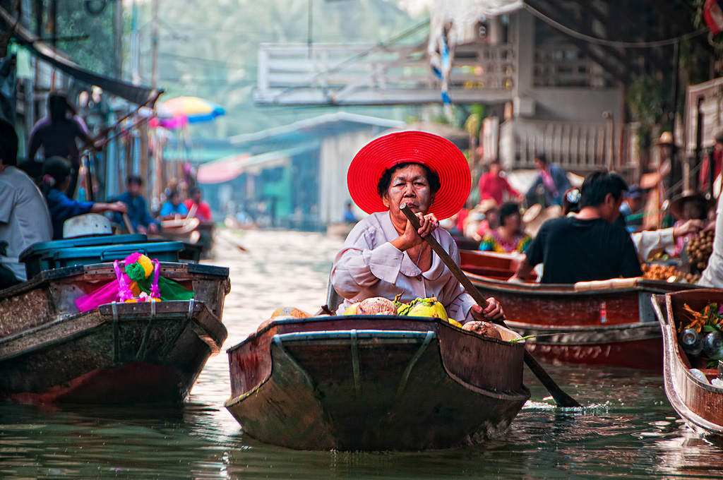 Damnoen-Saduak-floating-market-bangkok-thailand-6
