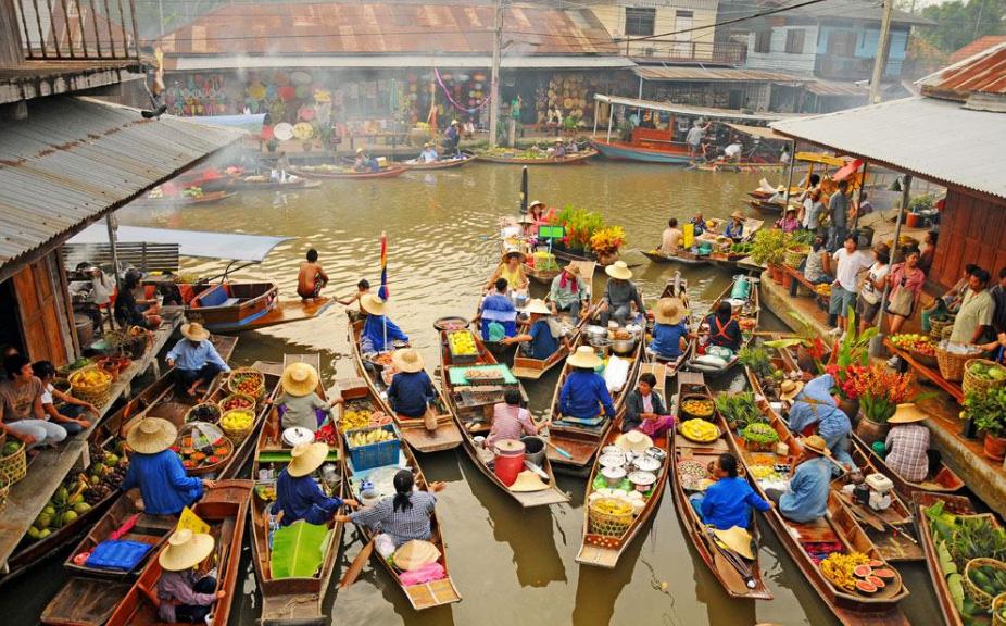 Damnoen-Saduak-floating-market-bangkok-thailand