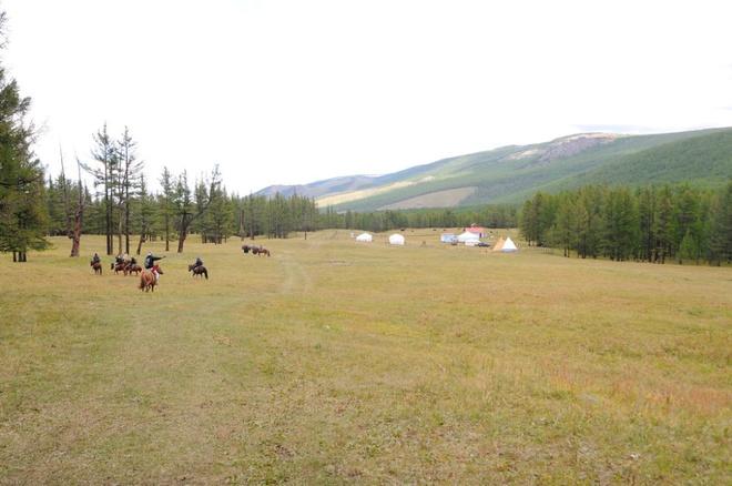 Mongolia-steppe-4