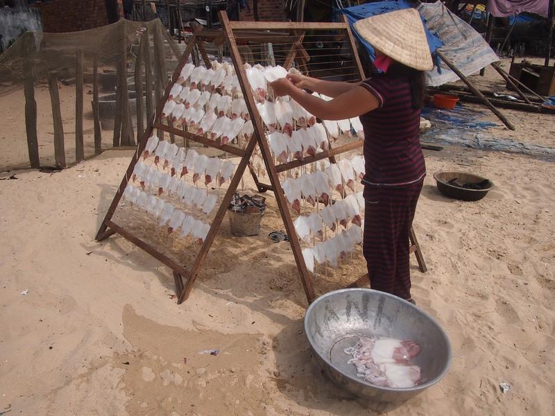 Phu Quoc Island Fishing ladies (2)