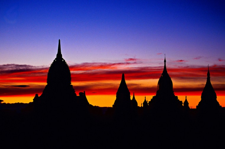 Sunset on the pagodas of Bagan (Pagan) from the Shwesandaw Pagoda, Burma