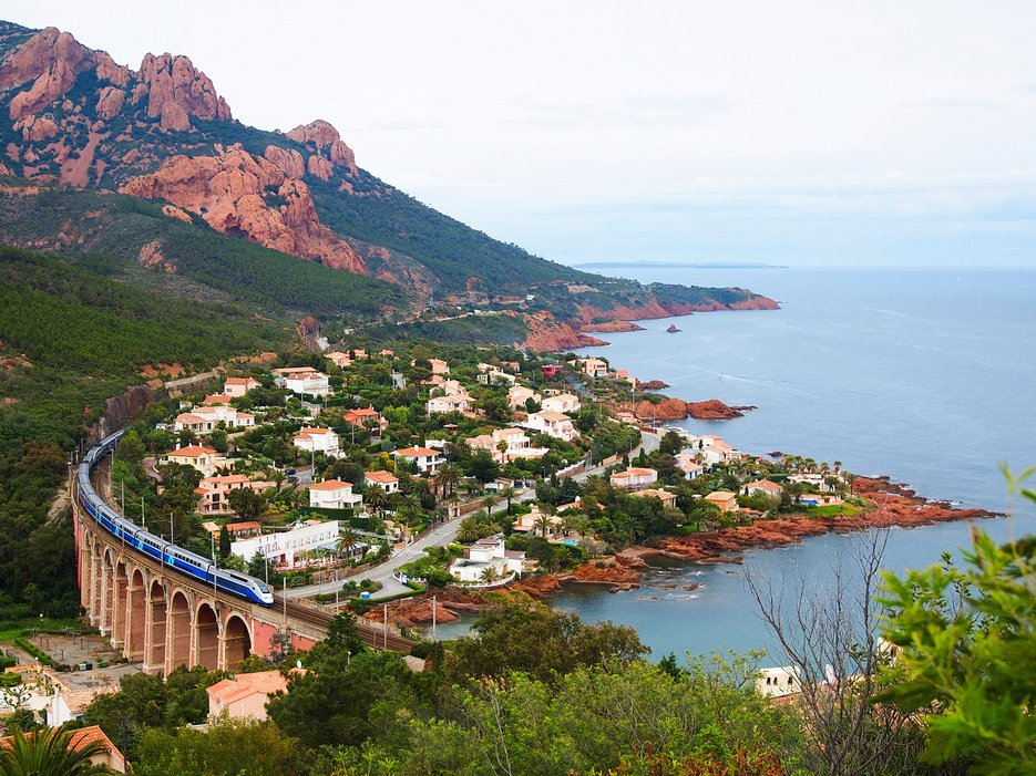 A train passes through the French Mediterranean.