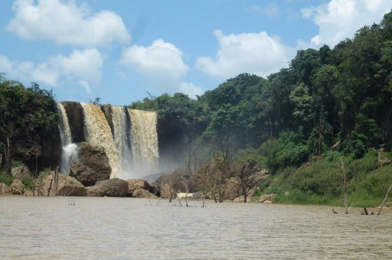 bao-dai-waterfalls-dalat-lam-dong-vietnam-tourist-attractions-24t
