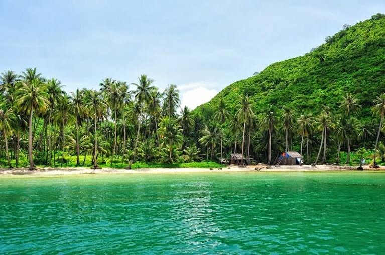 cay men beach nam du islands kieng giang vietnam