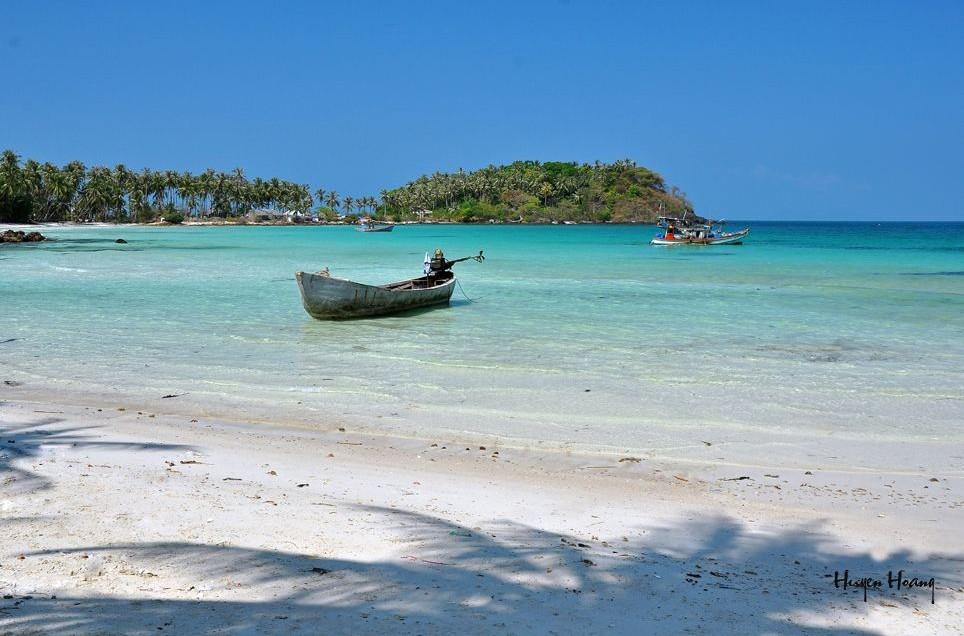 chuong beach hon mau nam du islands kieng giang vietnam