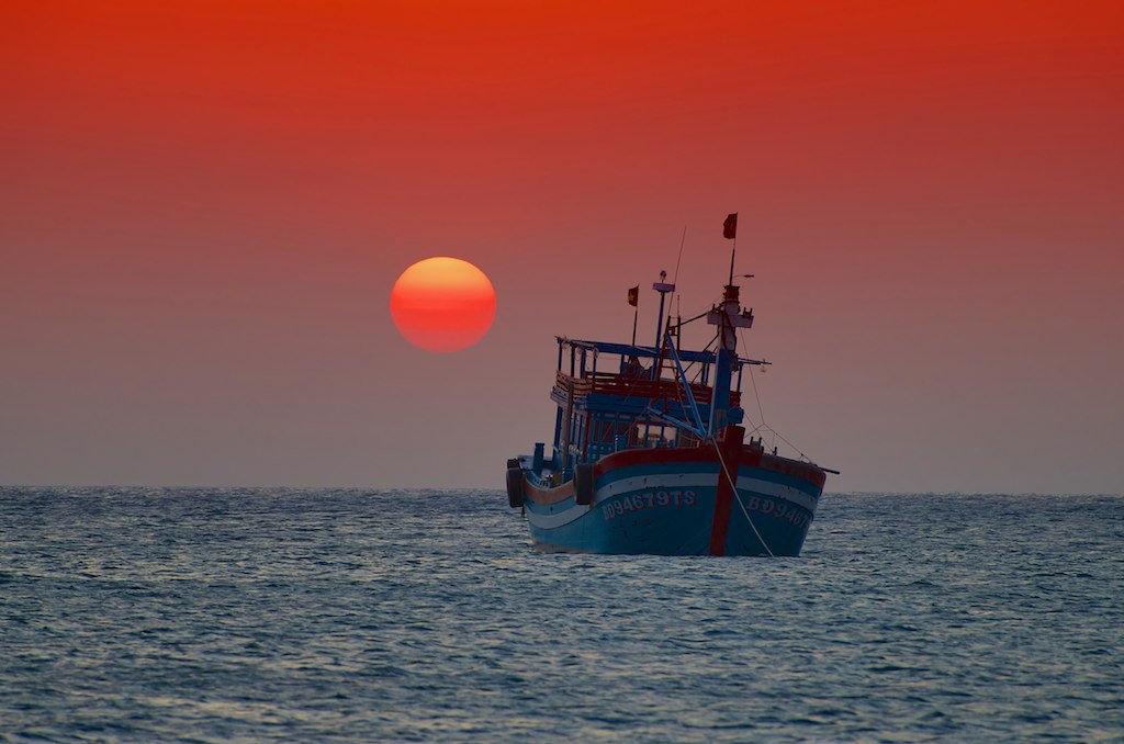 Glamorous sunset over the sea. Photo: Martin Zemlicka