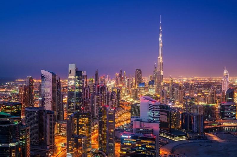 dubai-city-in-the-light-never-sleeps-at-night