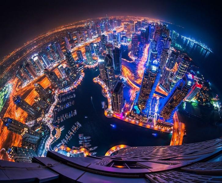 dubai-port-in dubai-city-at-night