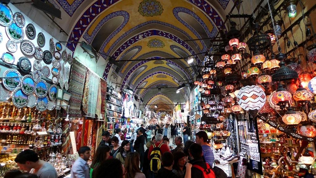 grand-bazaar-market-in-istanbul-0