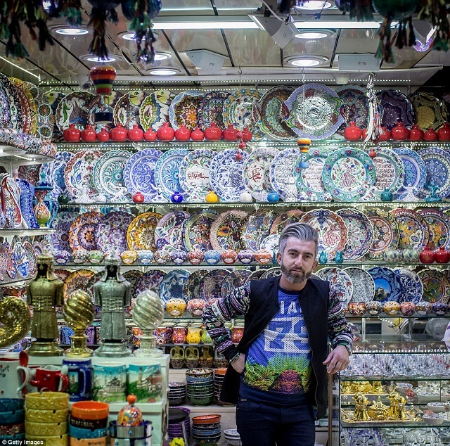 grand-bazaar-market-in-istanbul-10