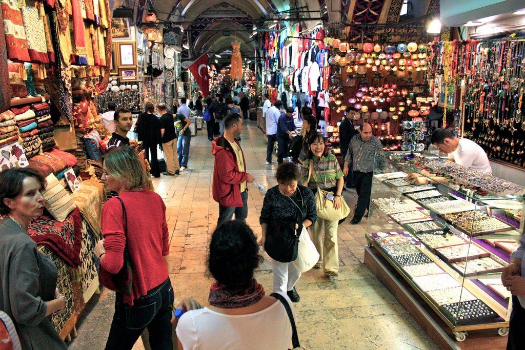 grand-bazaar-market-in-istanbul-16