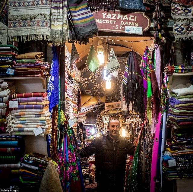 grand-bazaar-market-in-istanbul-4