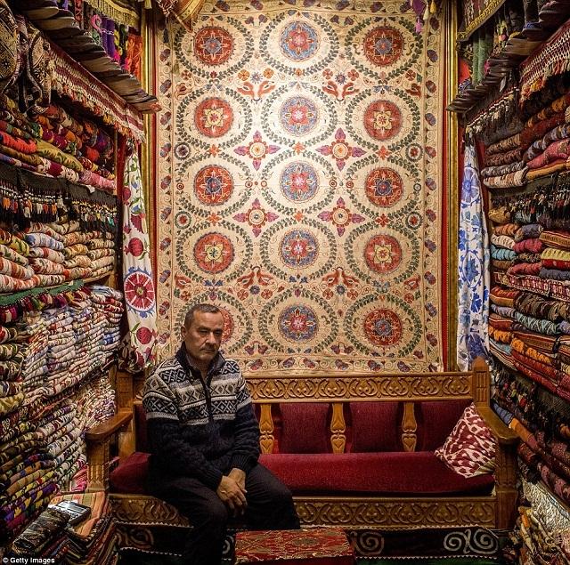 grand-bazaar-market-in-istanbul-7
