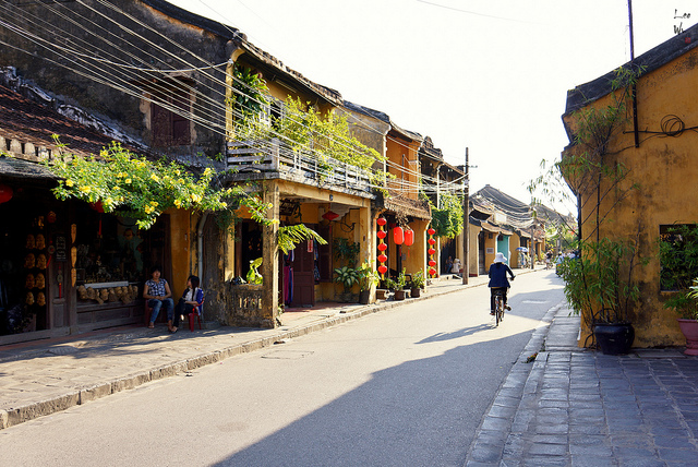 hoi-an-old-quarter-ancient town quang nam vietnam (1)