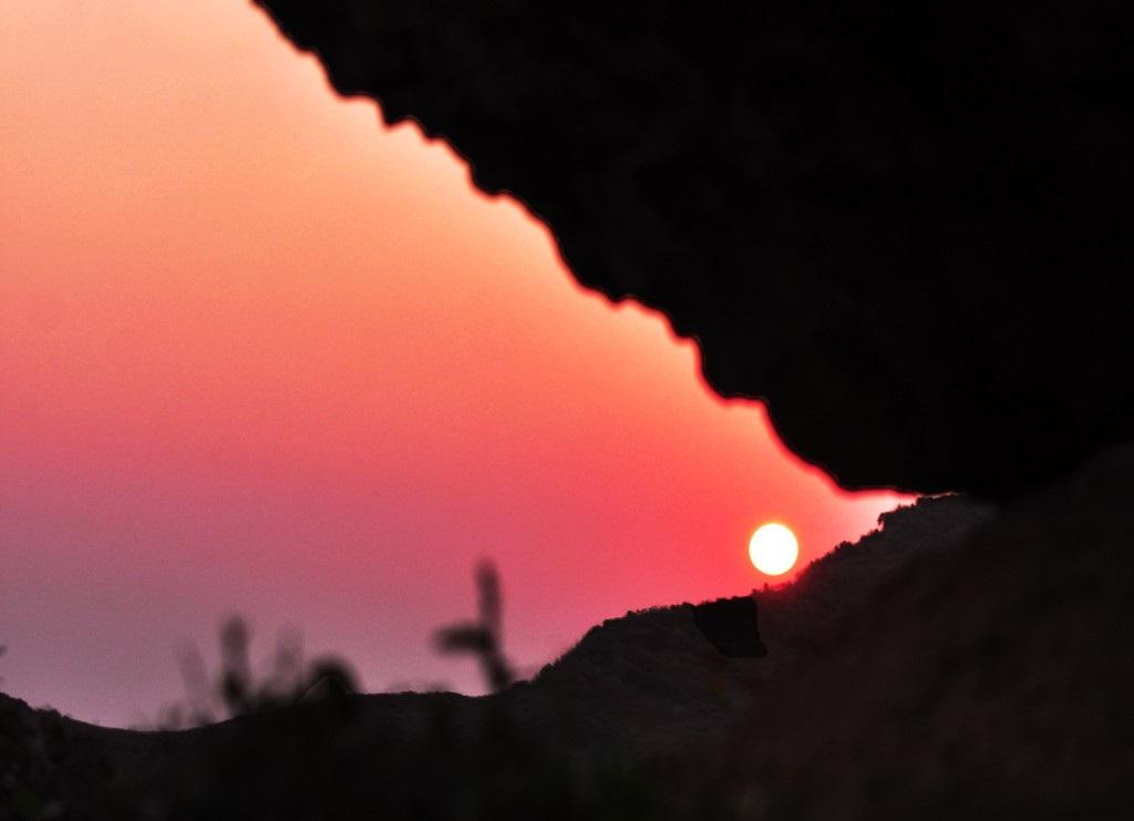 Sunset on Thoi Loi peak.
