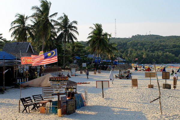 malaysia beach HOW TO CHOOSE YOUR NEXT TRAVEL DESTINATION 1