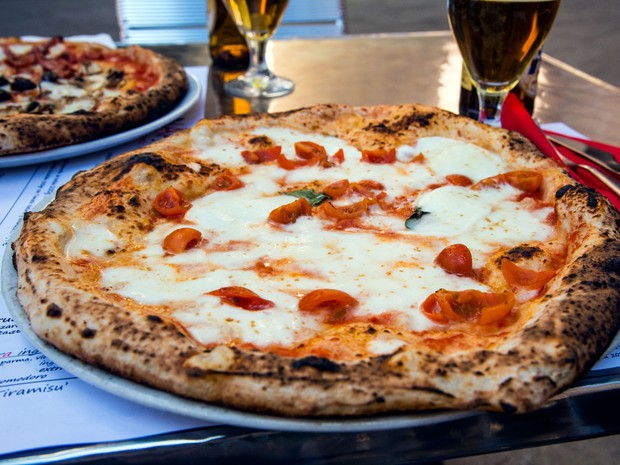 10 best pizza restaurants in italy living nomads travel tips guides news information. Black Bedroom Furniture Sets. Home Design Ideas