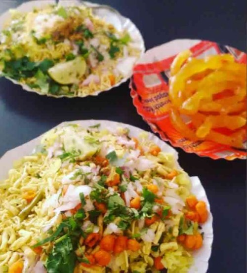 poha-and-jalebi-in-indore-best-street-food-in-india