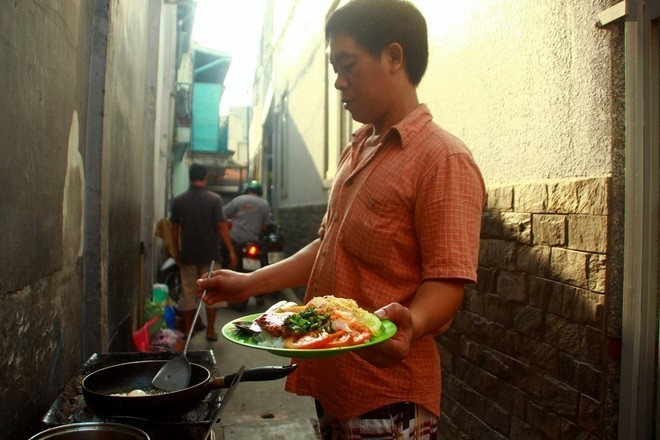 saigon-way-of-life-breakfast-in-alley-com-tam1