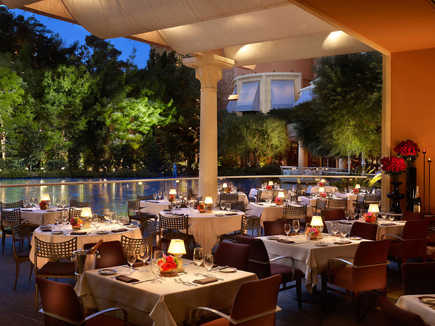 steakhouse-patio-barbara-kraft-1024