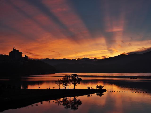 sun moon lake taiwan sunset