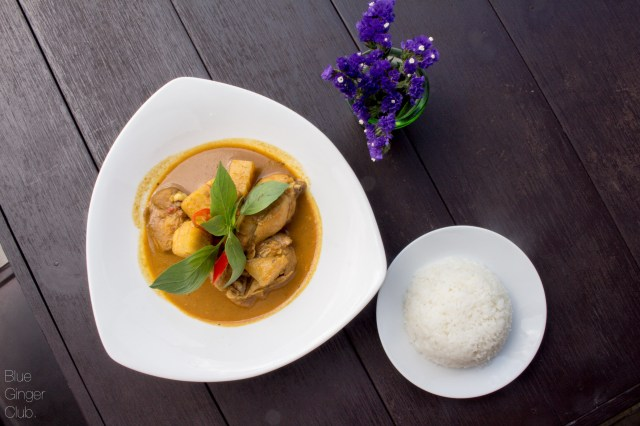 Yellow Thai Curry with steamed rice