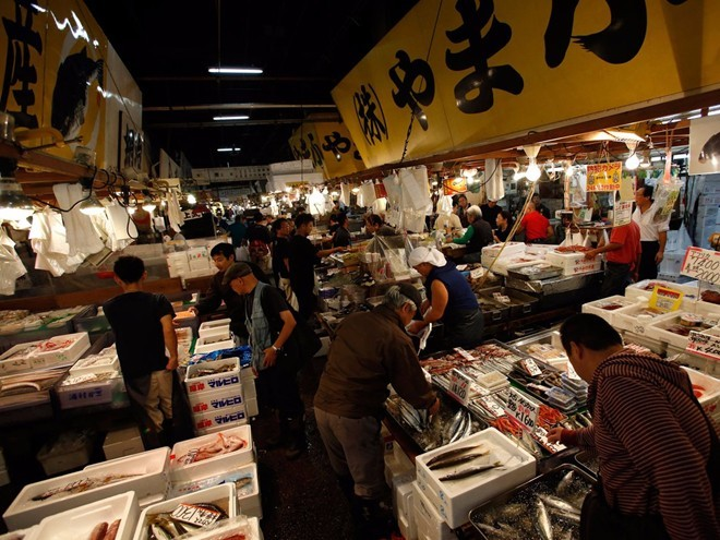 Visiting Tsukiji Fish Market The Largest Fish Market In