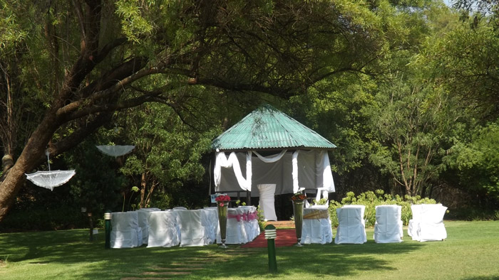 The garden gazebo nestled in the peaceful and beautiful surrounding of the garden offers a perfect, affordable sanctuary for romantic wedding.