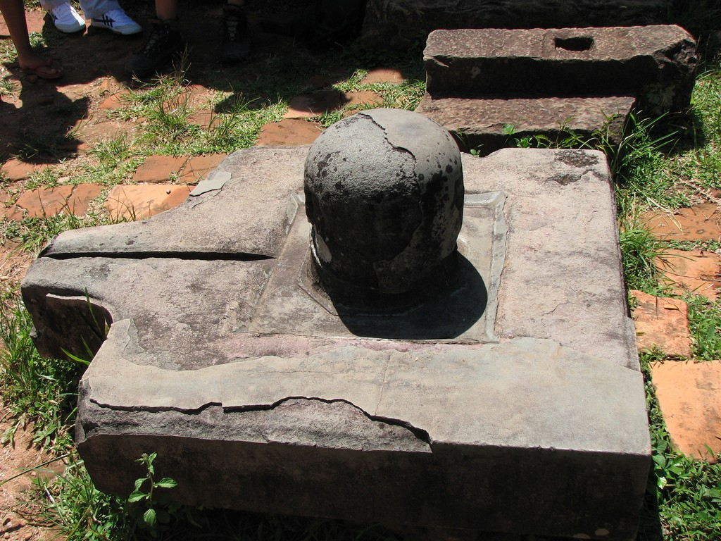 yoni and linga at myson sanctuary hoi an vietnam