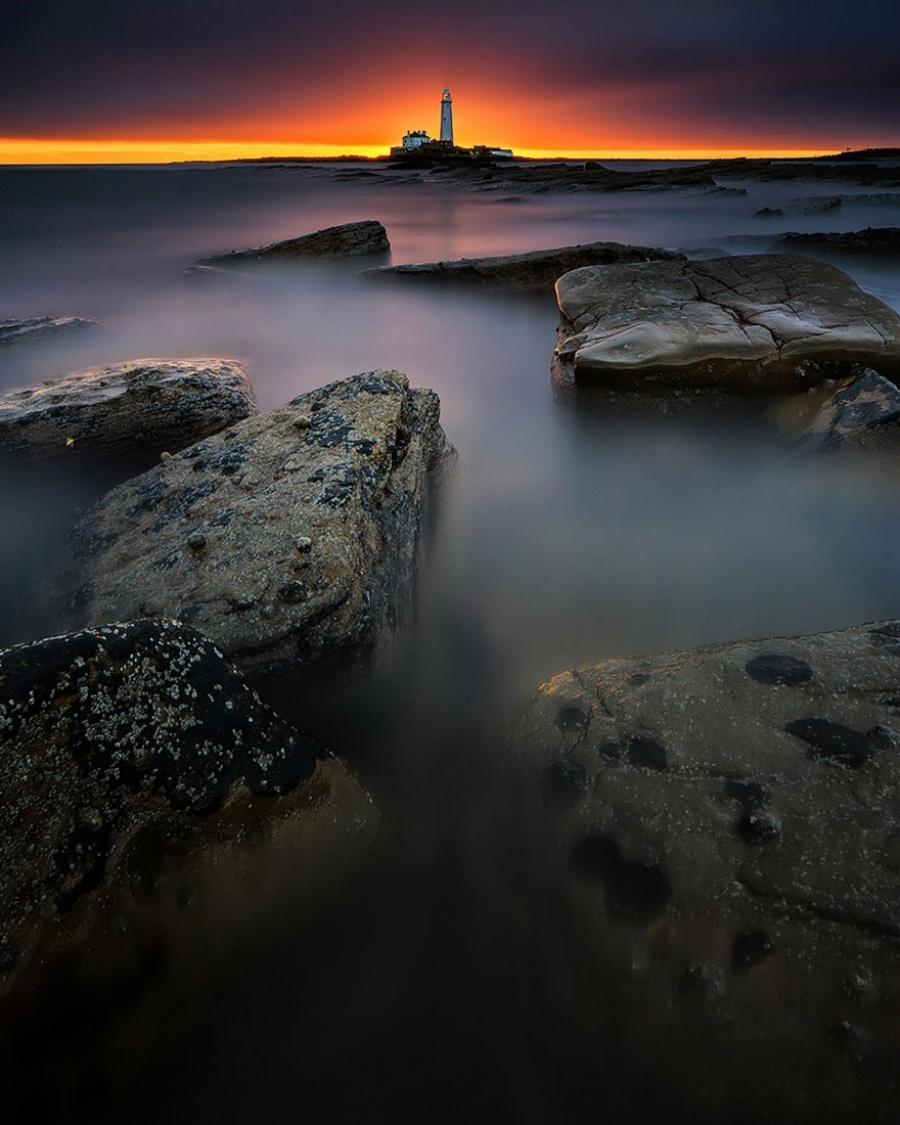 27 incredible lighthouses - Bait Island, UK