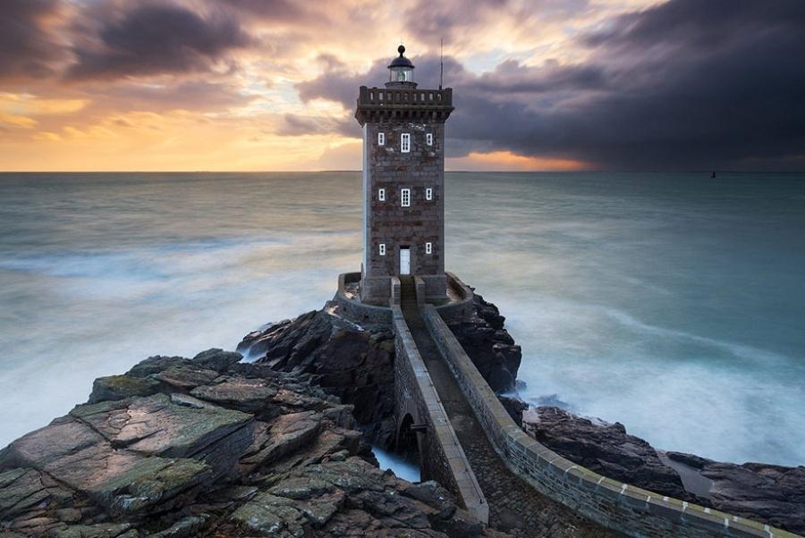 27 incredible lighthouses - Bretagne, France