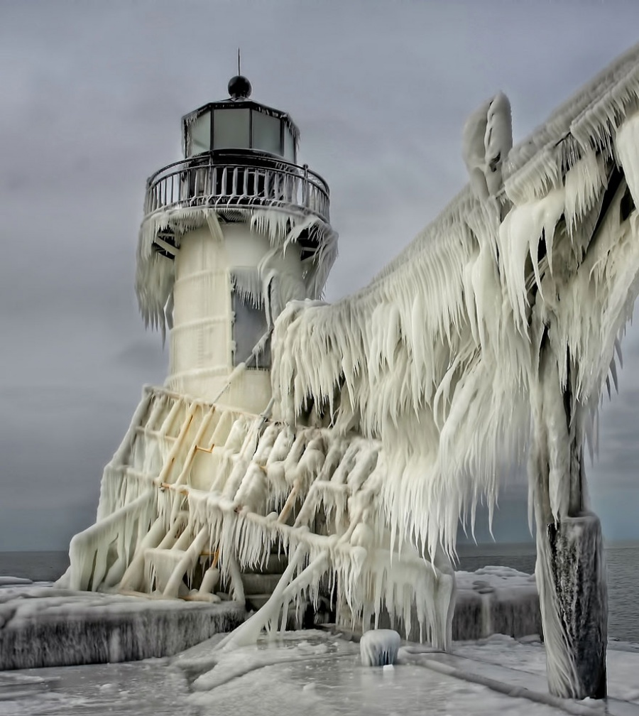 27 incredible lighthouses - Michigan, United States