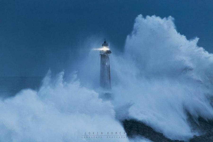 27 incredible lighthouses - Mouro Island, Spain