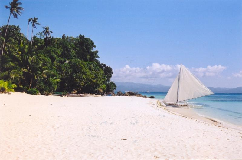 The sea doesn't get much bluer than at Boracay.