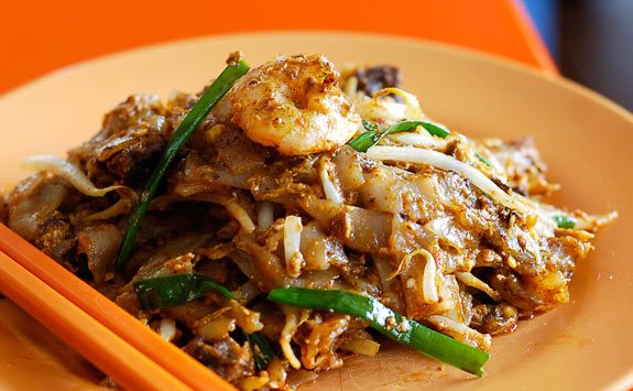 Char kwey teow noodles. Source: dulichmalaysia.info.