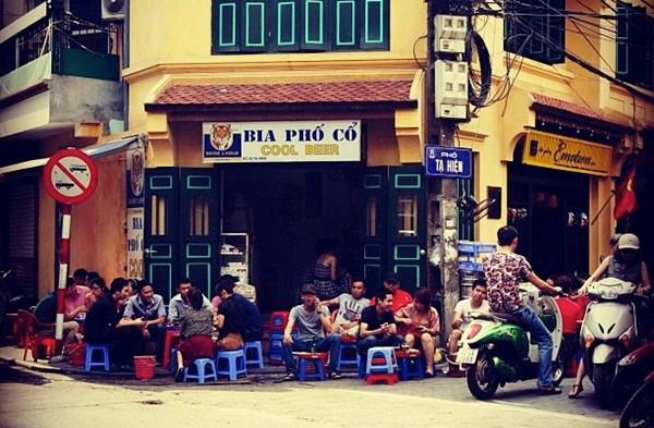 Cool Beer on Ta Hien Street