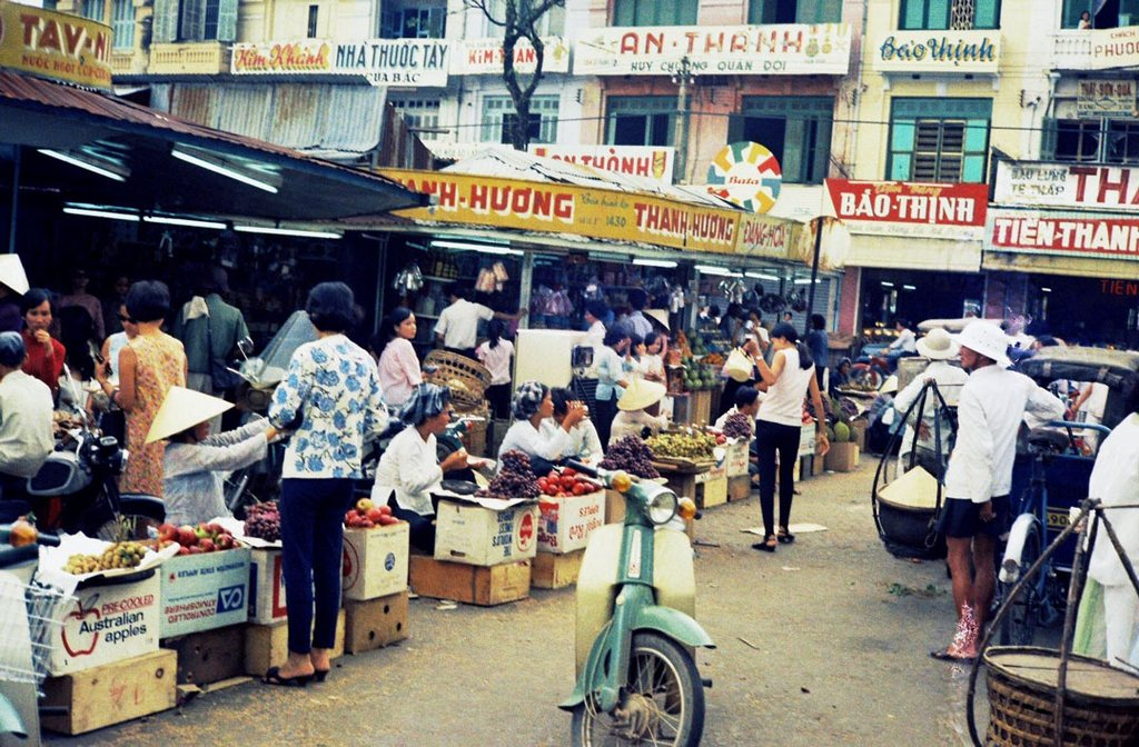 Other image angle of Ben Thanh Market from North door_Ho Chi Minh pictures_source: buffalotrip.com