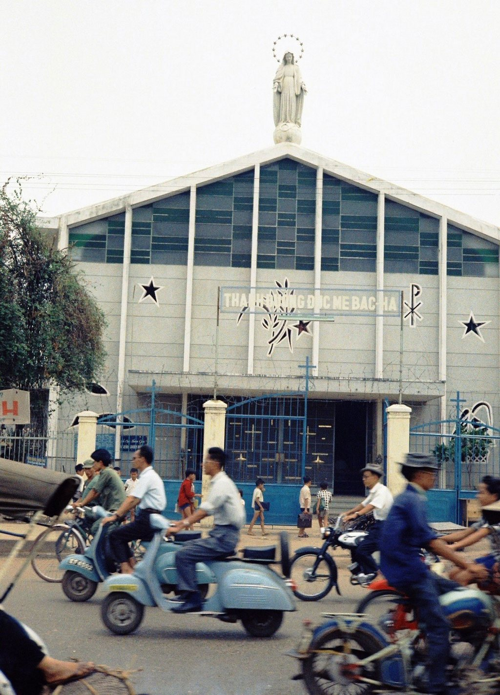 Bac Ha Church on Ly Thai To street_Ho Chi Minh pictures_source: buffalotrip.com