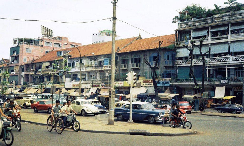 Le Loi Boulevard_Ho Chi Minh picture _source: buffalotrip.com