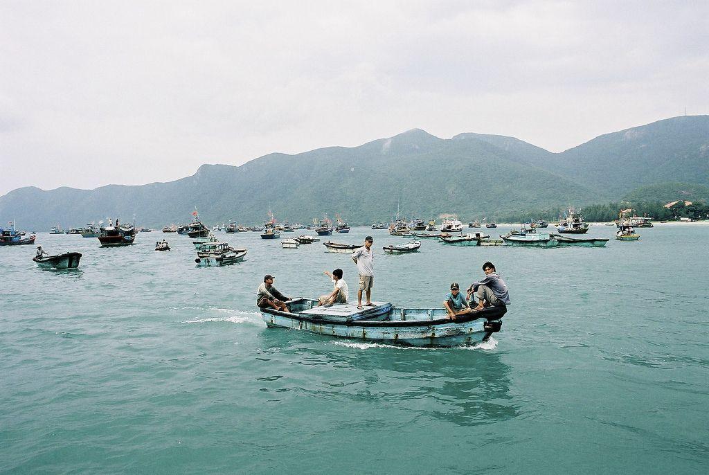 In Con Son bay. Photo: Tetsu Hiraga