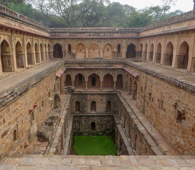 Indias-underground-wells