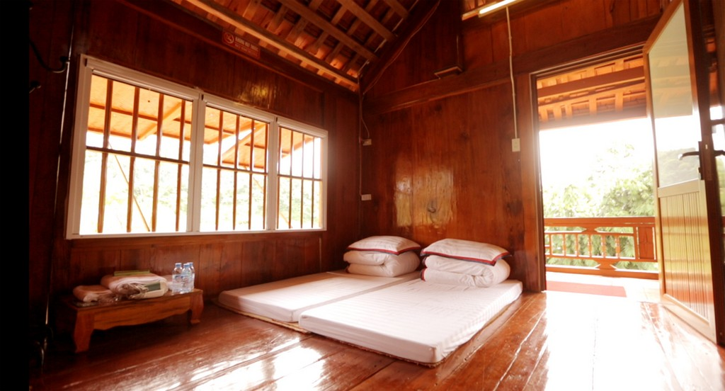 Japanese style bungalow stilt house